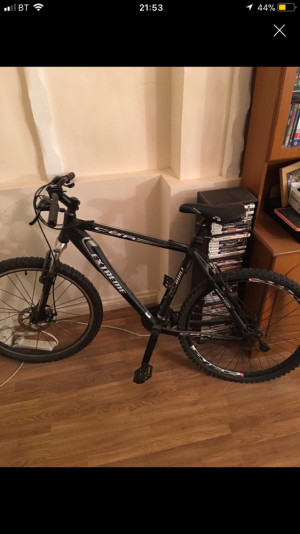 Adult men's bike, decent bike needs some tlc derailleur  needs tuning and tyres needs tuning and back tyre replacing