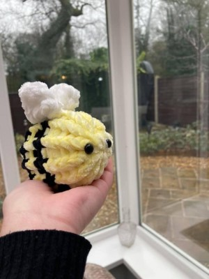 Small Handmade knitted bee