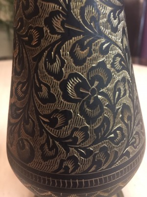 Metallic gold/black vase