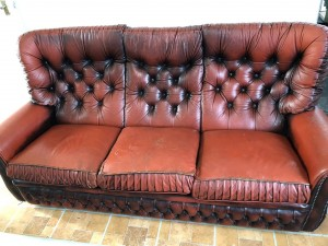 Chesterfield highback 3 piece suite.