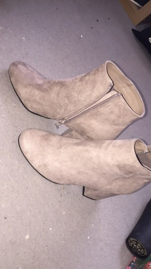Suade boots never worn size 6