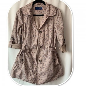 Stunning Light Weight Rain Coat by Vintage Boutique