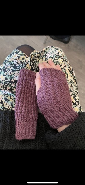 Brand new purple wool fingerless gloves