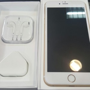 iPhone 6 brand new come with box earphones and charger