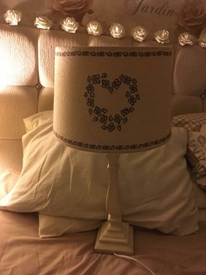 2 shabby chic lamps