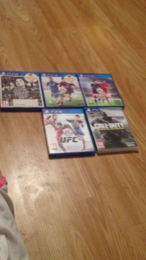 5 PS4 games sleeping dogs, Fifa 15, Fifa 16, UFC , call of duty infinite warfare £20 for all of them