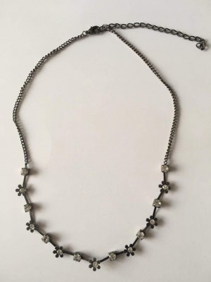 Beautiful sparkly necklace