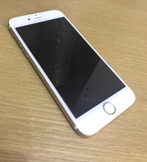 iPhone 6s , EE network , 32 GB new condition comes with usb cable
