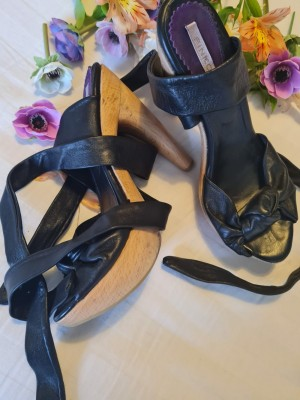 Pinko size 7 wooden and leather sandals no longer available