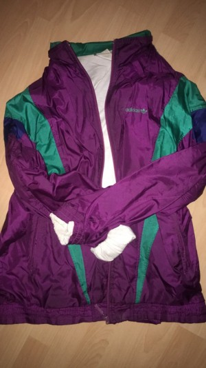 Adidas vintage jacket Size Extra large but can fit a large excellent condition