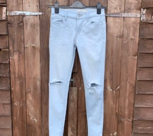 """710 super skinny Levi's In size 26"""" waist . Only worn a handful of t"""