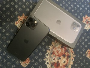 iPhone 11 Pro in perfect conditions, 4 months old. CoMes with all item
