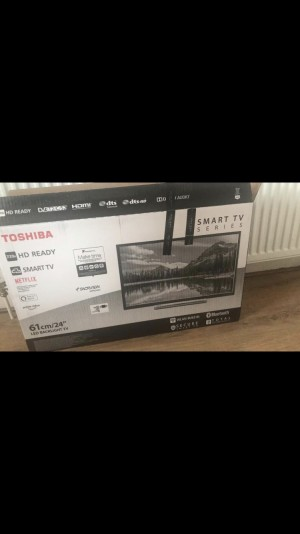 "Toshiba 26"" smart tv"