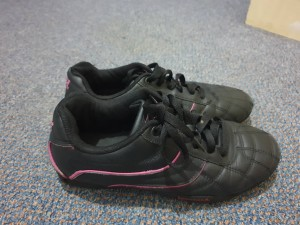 Lonsdale trainers girls size 5
