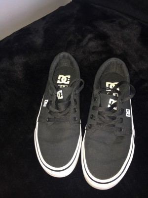 Dc skater shoes size 4 U.K. amazing condition