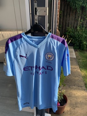 Manchester City Kun Agüero Shirt / Brand New With Tags / Size M Mens