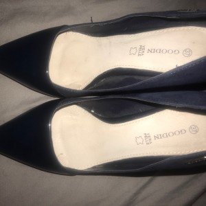 Ladies  Shoes Size 37 (4) Leather with heel