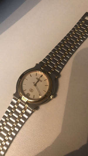 Vintage Gucci Unisex Stainless Steel & Gold Working Watch