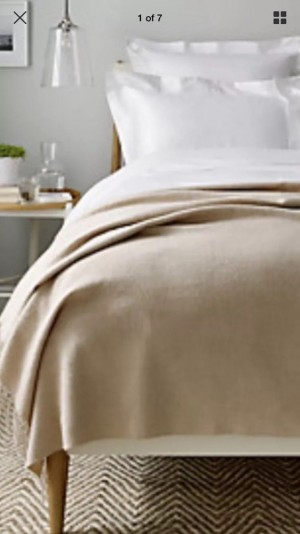 Luxurious Alpaca Throw from The White Company RRP £220 so grab a bargain! All information is shown on the Price tag.