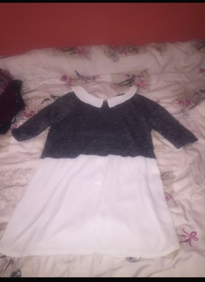 Beautiful blouse  Size 8  The label has been removed as it itches my n