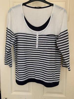 Ladies top size 16
