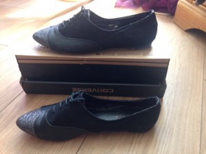 pointed black shoes  (never worn)