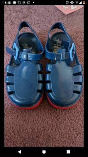 Boys jelly shoes size 7 Never worn