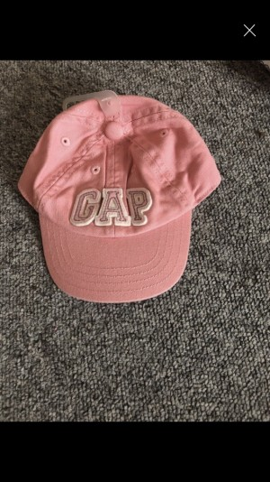 Baby girls gap hat never been worn