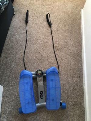 V fit twister with bungee cords