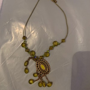 New with tags ladies fashion necklace and earrings set