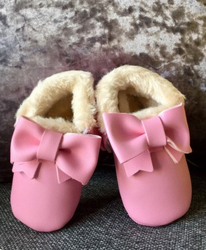 Brand New baby girls wool Moccasins 3-6 months
