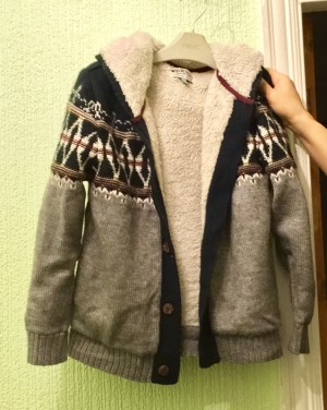 boys cardigan 10yrs