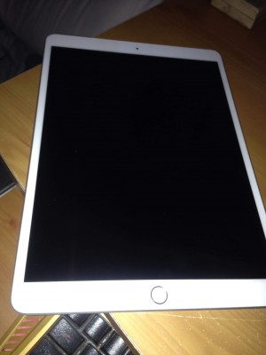 Brand new iPad Air 64GB WiFi & cellular unlocked