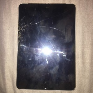 iPad Mini 3 16GB Space Grey (Crakced)