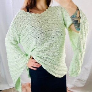oversized pistachio green knit / crochet jumper with split sleeves S