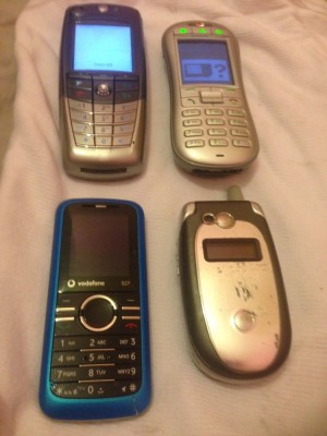 4 fully working mobile phones