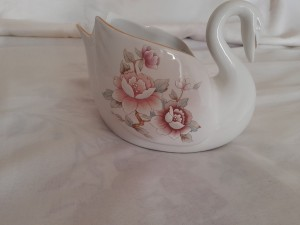 St Michael Claremont swan bowl/home/vintage/chabbychic