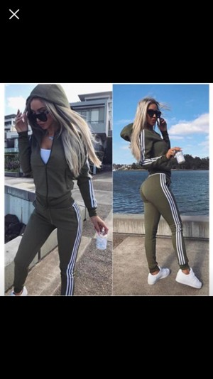 BRAND NEW WOMEN TRACKSUIT