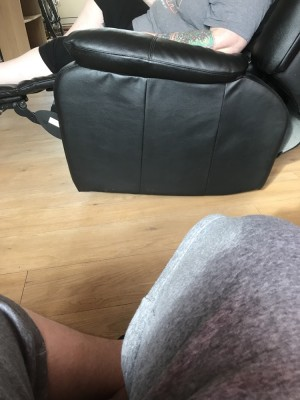 Electric recliner chair black
