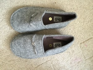 26e8a09ed38 Cheap slippers for sale . Paperclip