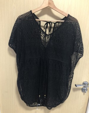 Size XS lace top
