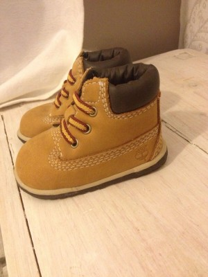 Kids genuine timberlands any size