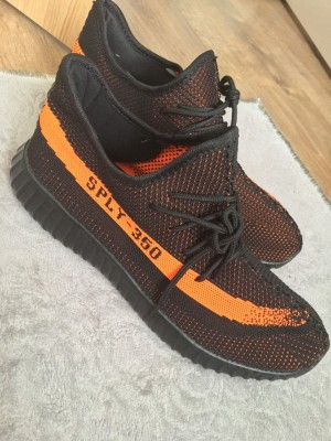 Adidas Yeezy Boost Size 9UK
