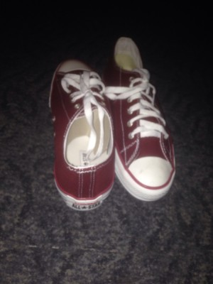 Brand new converse trainers never been worn. Colour: Burgandy&White. Size:8/9 £40.00 nearest offer