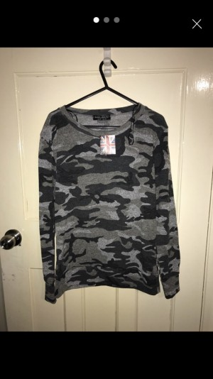 select camo sweat top size 12