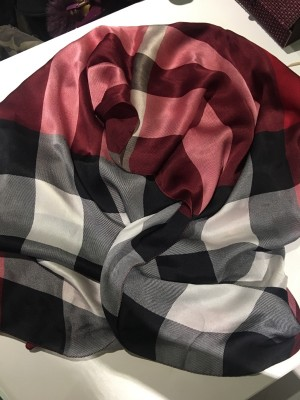 Burberry red scarf
