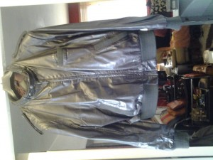Brown leather jacket Excellent condition size Medium