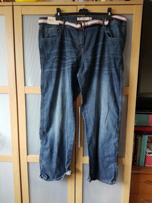 Size 22L boyfit jeans new with tags from next