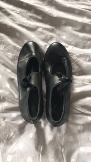 Black tap shoes, size 4 -£5
