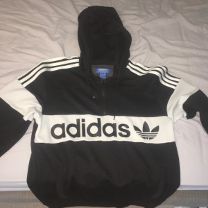 Unisex adidas hooded quarter zip hoody. Never been worn, originally bought from JD for £65 but just didn't suit me. Size small. Offers